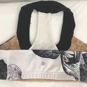 Lululemon sport bra size 6 dot   White/black